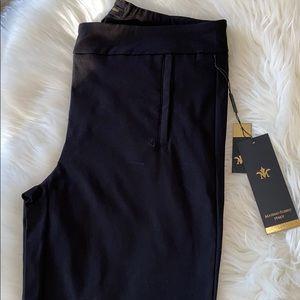 New woman's black pant. Massimo Fabbro.